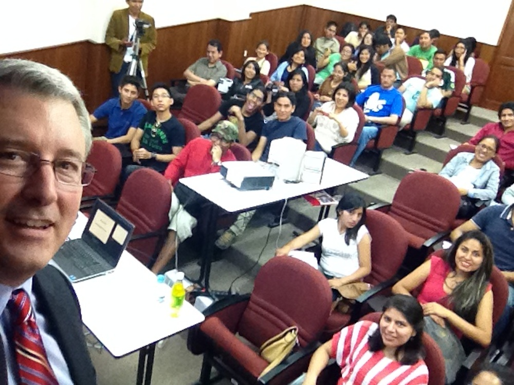 Dr. Robert Magee with audience at one of his sessions.